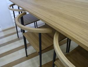 竹製の椅子と机!