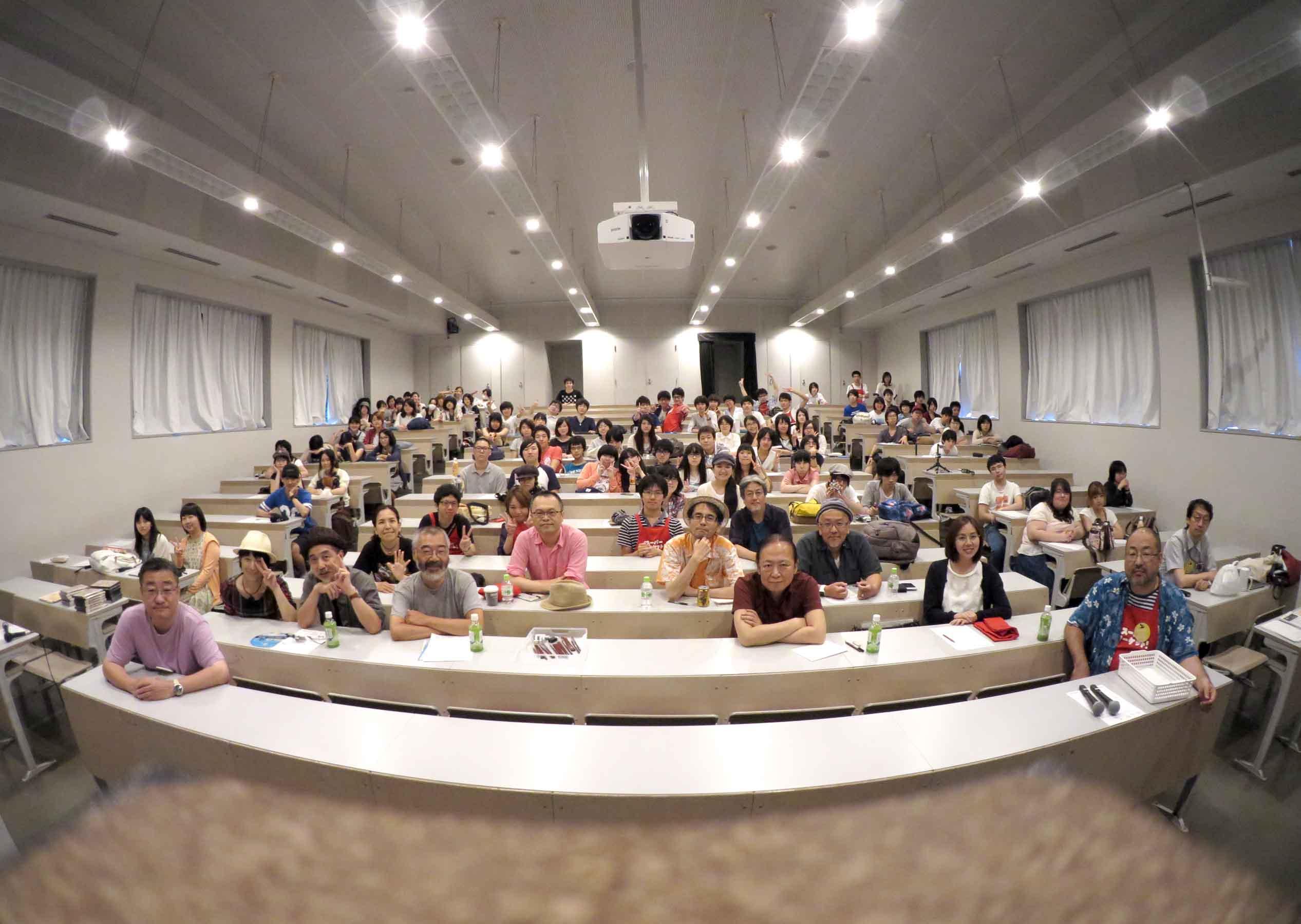 大講評会ラストに記念写真をパチリ!
